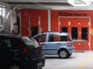 auto in riparazione presso Carrozzeria Torino